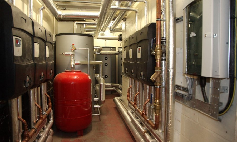 biomass remotes pump station 2 MW biomass heating system for large hotel in Peebles, Scotland